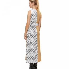 Overvejer at sælge min Saks Potts dancer kjole, hvis rette bud kommer Str 2 Brugt 3-4 gange Fejler intet