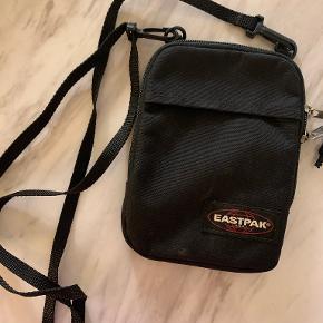 Eastpak crossbody-taske