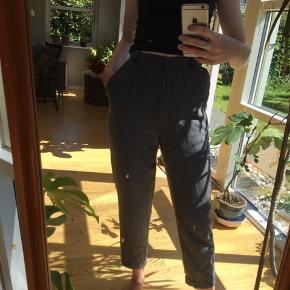 Stribede habit bukser (de er lidt små i taljen)