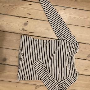Klassisk langærmet bluse i tynd kvalitet BYD endelig🌻