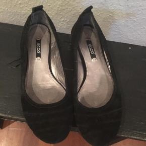 Varetype: Ballerina Farve: Sort Prisen angivet er inklusiv forsendelse.