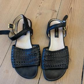 God stand. Fede sandaler.