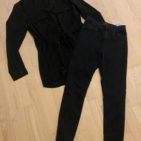 En khaki og sort overdel - nye - Pieces  Og 2 par tætsiddende buks - Only  50 pr del