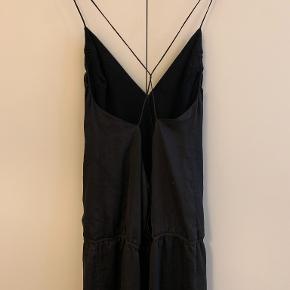 ''ISA DRESS'' Kun brugt nytårsaften