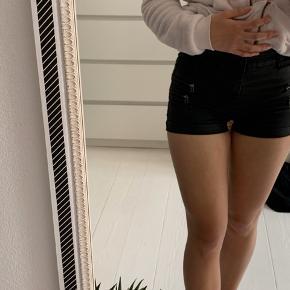 Shorts fra Noisy May i str xxs-xs modellen hedder super slim coated shorts Aldrig brugt