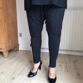 """Leggings """"baggy"""" fra Bitte Kai Rand Haves i brune og sort-grå"""