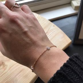 Smuk håndlavede armbånd med guldkæde✨kan også fåes med sølvkæde💕