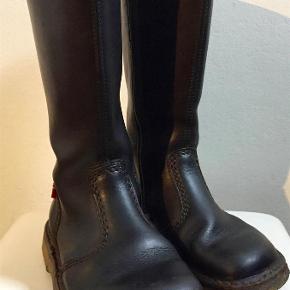 602c807fa18 Varetype: Superlækre støvler - model København Størrelse: 37 (de er små i  str