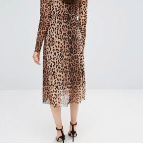 Fin nederdel fra soaked in luxury i leopard mønster . Str small.