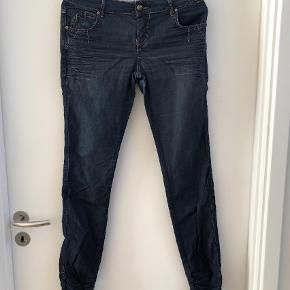 """Varetype: Jeans Størrelse: 27/32"""" Farve: Denim Prisen angivet er inklusiv forsendelse."""