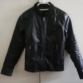 Biker 'læder' jakke Max brugt 1 mdr