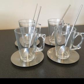 irish coffee glas  4 stk er i fin stand  Afhentes 6818 eller medbringes til 6700 ifølge aftale