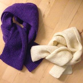 Håndstrikkede halstørklæder.  Flexibel ribstrik.  Det lilla tørklæde måler ca. 113 x 25 cm. Det råhvide tørklæde måler ca. 90 x 23 cm. + god stræk i begge tørklæder.  Tørklæderne er begge ubrugte og kan bruges af både børn, herrer og damer.  Sælges for 20 kr. stykket. Samlet 35 kr. + evt. porto.  Kan afhentes på Frederiksberg.