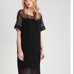Super fin velholdt kjole