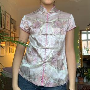 Flot kinesisk skjorte / fitter fra xs-m