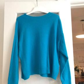 Blå sweater 😁
