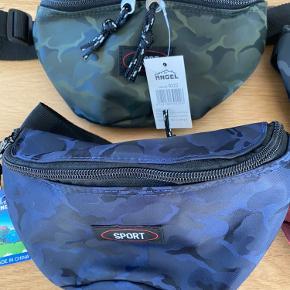 Helt ny camouflage bæltetaske med 2 lynlåslommer i en lækker kvalitet, str 22x12 cm  Prisen er fast. Kan sendes med DAO