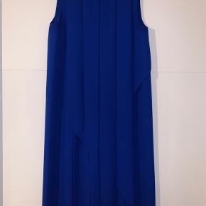 Smuk kjole fra COS - kun brugt en gang til bryllup