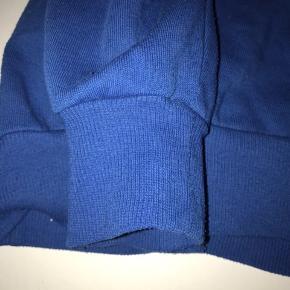 Monki blå hoodie, i rigtig god stand🦋