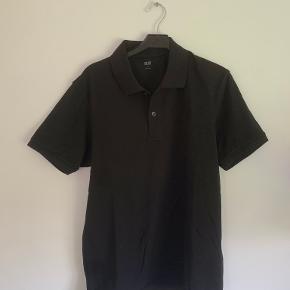Uniqlo t-shirt