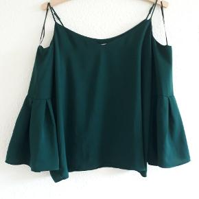 Rigtig fin blå-grøn top 🌸 Jeg har syet stroppene lidt op så den passer bedre, men de kan sagtens gøres længere igen 🍃