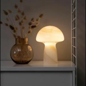 Nordic Nesting bordlampe