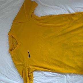 2 sports t-shirts