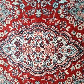 Persisk tæppe, længde: 215 (det er inklusiv frynserne), bredde: 193. Kom gerne med bud