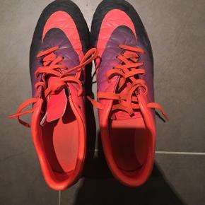 Fodbold støvler i str 39