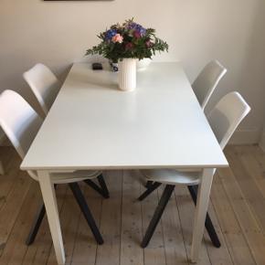 Billigt spisebord Ekstra bordplade gemt under bordet  B:85 L:150 (200 med tillægsplade)  H:75