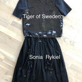 Tiger og Sweden  bluse mp 250kr , Sonia Rykiel nederdel , mp 300