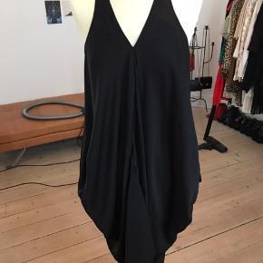 Smuk Acne kjole, nypris 2.500 sælges for 800 + Porto eller hentes på Amager