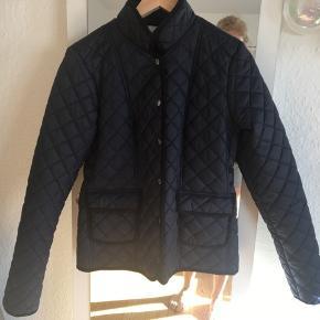Kom med et bud - sælges billigt!  Flot termo jakke i mørkeblå  Rigtig god som sommer / overgangsjakke også med en trøje under ☀️