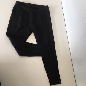 Carite Gymnastikbukser til pige eller Dreng, 104 3-4 år sort  Fin stand sender gerne