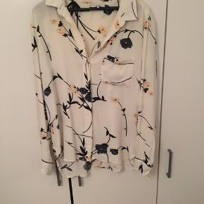 Skjorten fejler intet, jeg får den bare ikke brugt.