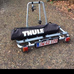 Thule easybase med holdere til to cykler og easybag 948-4 Brugt få gange.