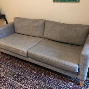 Sælger denne super lækre sofa!  Har stået i et dyr og røgfrit hjem.  Skal selv hentes på Frederiksberg, fra 1 sal.  Mål (ca): Bredde: 210 cm Dybde: 90 cm Højde ryglæn: 65 cm Højde siddeplads: 44 cm  Byd 😊