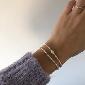 Smukt smykke sæt💕  kan fåes i flere farver.  kan også sendes med postnord for 10kr