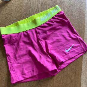 Nike shorts, brugt en gang