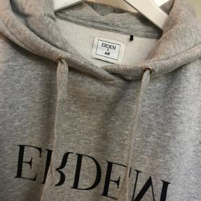 H&M x ERDEM hoodie i grå str. S. Brugt få gange så stadig meget lækker blød!