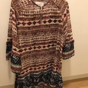To Be Wanderlust kjole