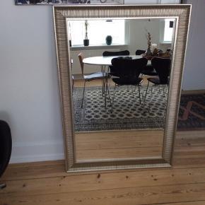 Stort sølv spejl 91 x 130  Pris 500 kr
