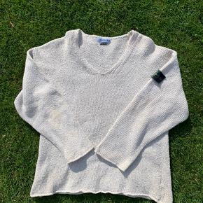 Vintage stone island sweater str XL Badge lidt forvasket i farven men ikke størrelsen Lidt pletter på den som er svære at se