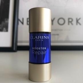 Clarins Booster Repair 15 ml Brugt en gang, men desværre for skrap til min hud Nypris 290,-  Pris er ekskl. fragt