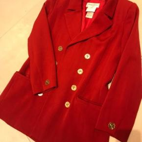 Fineste vintage uld Blazar str. Fransk 42 passer Str. M -L   Ingen kvittering  De er brugte og ikke som ny derfor prisen  Lignede  YSL blazer koster i dag op til ca. 15.000kr  Bytter ikke  Bud er velkommen
