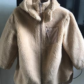 Super fed oversize jakke.  fra ikke ryger hjem.