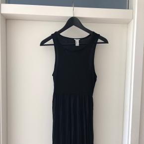 Sød, lang kjole