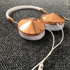 Høretelefoner fra frends - nypris 1200