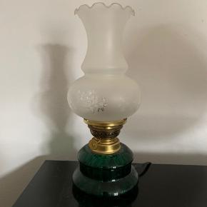 Vintage bordlampe fra Holmegaard. Lampen er med ledning.   Sendes ikke. Kan afhentes på Vesterbro.