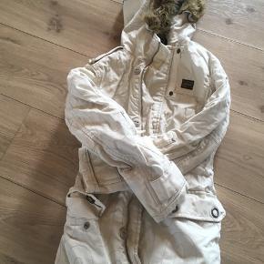 Rigtig fin jakke fra G-Star.. har den også i sort. Byd